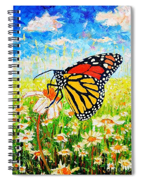 Royal Monarch Butterfly In Daisies Spiral Notebook