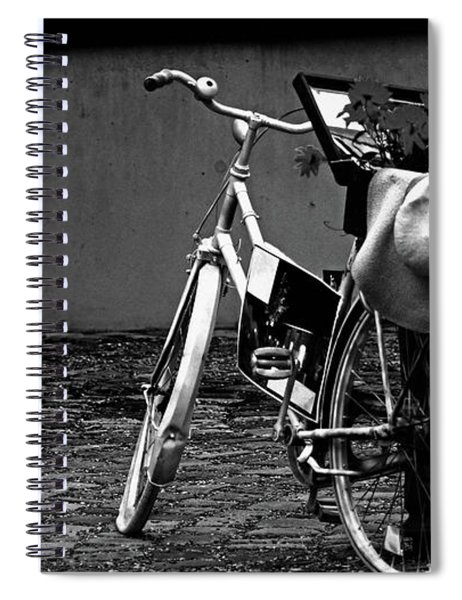 Altes Fahrrad Old Bicycle Spiral Notebook