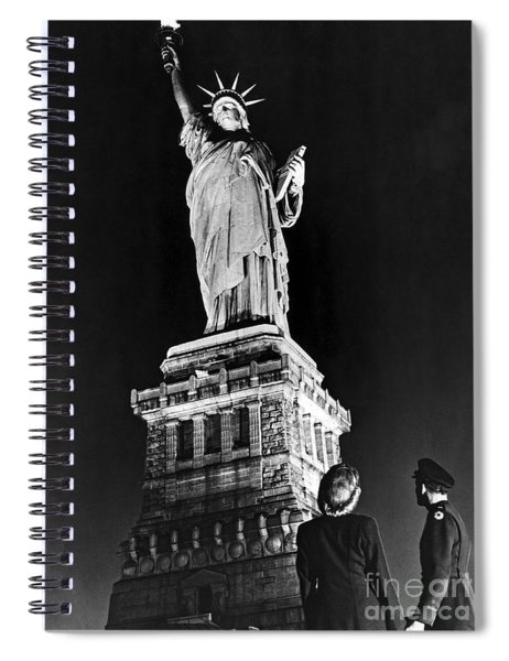 Statue Of Liberty On V E Day Spiral Notebook