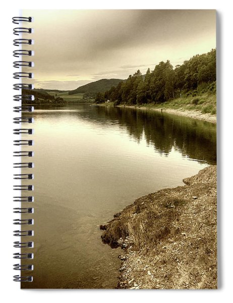 Wonderfully Calm Lake -  Wundervoll Ruhiger See Spiral Notebook