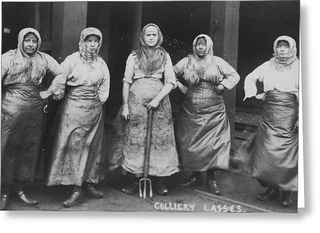 'colliery Lasses' Of Wigan Greeting Card by Mary Evans Picture Library