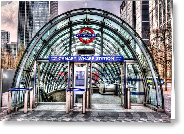 Canary Wharf Greeting Card by David Pyatt