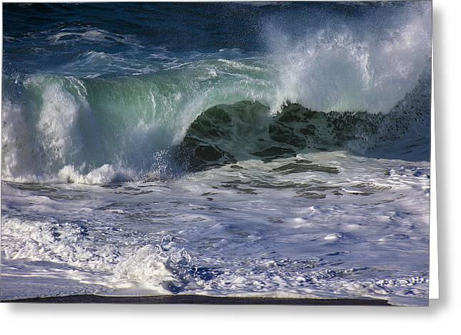 Ocean Waves Greeting Card by Garry Gay