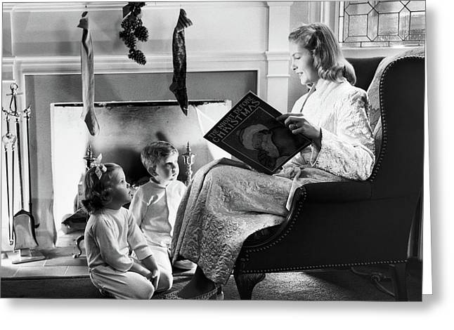 1940s 1950s Mother Reading Christmas Greeting Card