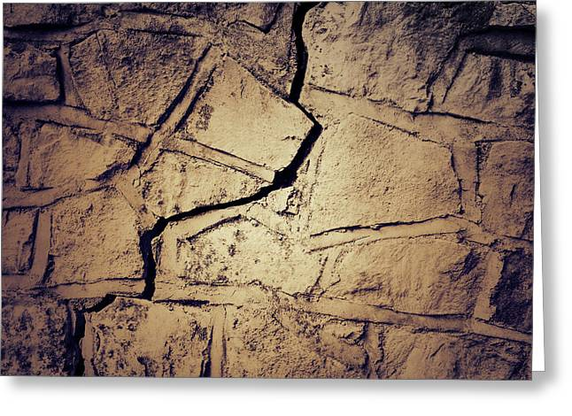Cracked Wall Greeting Card by Les Cunliffe