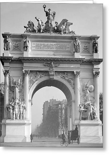 Nyc, Madison Square, Dewey Arch Greeting Card by Science Source