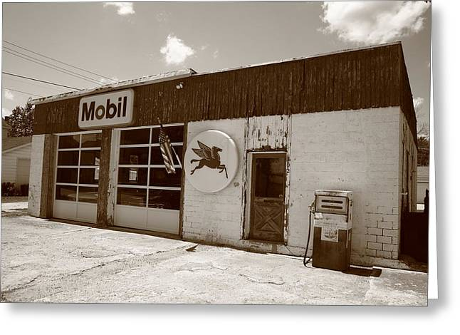 Route 66 - Rusty Mobil Station Greeting Card by Frank Romeo