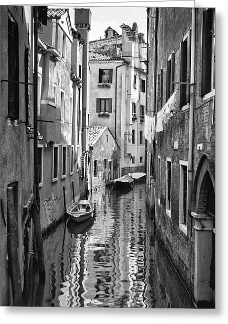 Venetian Alleyway Greeting Card by William Beuther