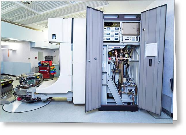 Linear Accelerator Greeting Card by Antonia Reeve/science Photo Library
