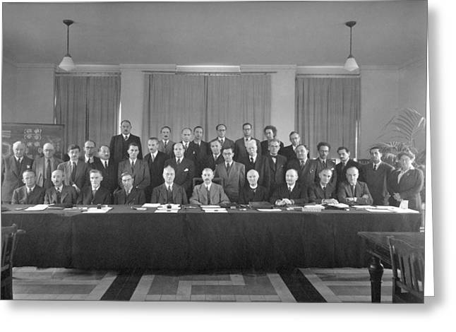 7th Solvay Conference On Chemistry, 1922 Greeting Card by Science Photo Library