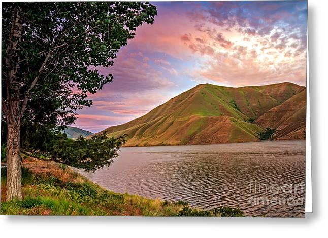 Beautiful Sunrise Greeting Card by Robert Bales