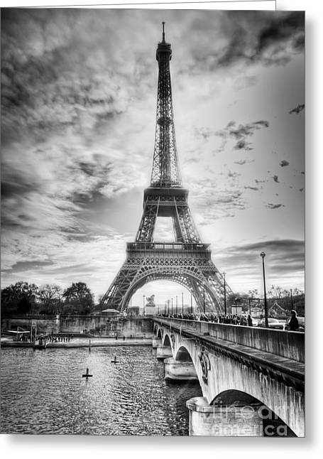 Greeting Card featuring the photograph Bridge To The Eiffel Tower by John Wadleigh