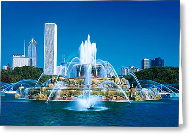 Buckingham Fountain Chicago Il Usa Greeting Card by Panoramic Images