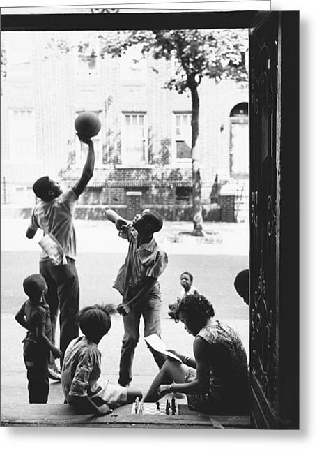 Children Playing In Brooklyn, Nyc, 1972 Greeting Card