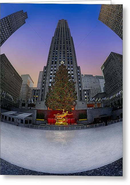 Christmas In Nyc Greeting Card by Susan Candelario