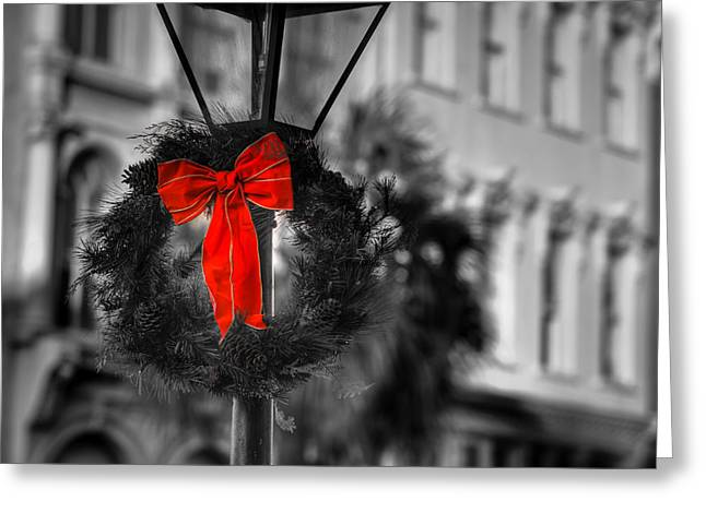 Christmas Wreath In Charleston Greeting Card by Andrew Crispi
