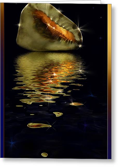 Conch Sparkling With Reflection Greeting Card by Peter v Quenter