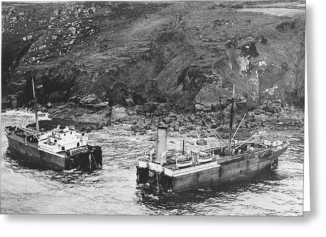 Cornwall Shipwreck Greeting Card by Underwood Archives