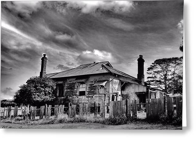 Greeting Card featuring the photograph Country Mansion by Wallaroo Images