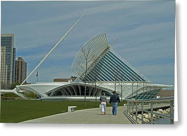 Couple In Front Of Milwaukee Art Museum Greeting Card by Devinder Sangha
