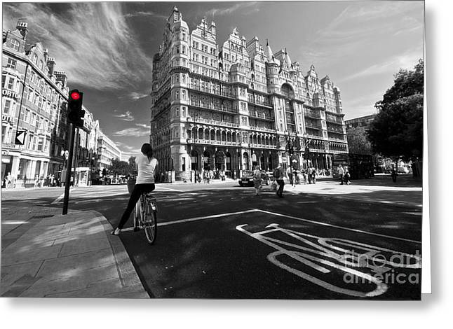 Cycling In The City Greeting Card by Rob Hawkins