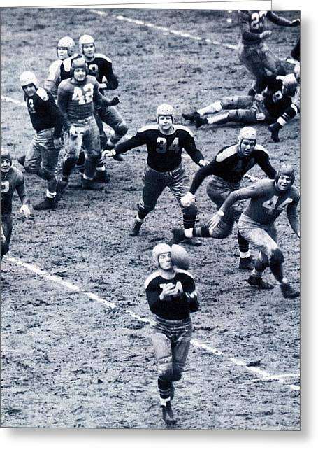 Don Hutson In Action Greeting Card by Gianfranco Weiss