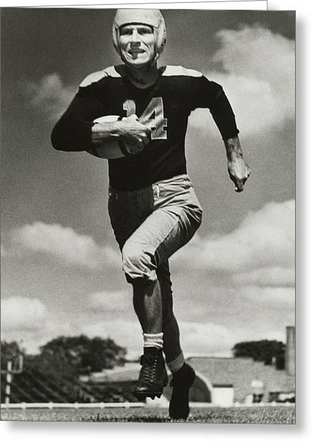 Don Hutson Running Greeting Card by Gianfranco Weiss