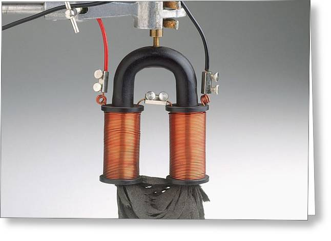 Electromagnet With Current Turned On Greeting Card by Dorling Kindersley/uig