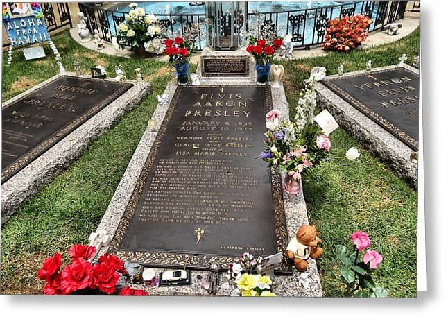 Elvis Presley Laid To Rest Greeting Card by Dan Sproul
