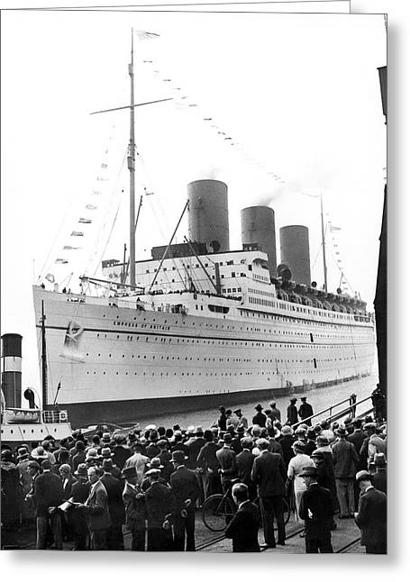 Empress Of Britain At Dockside Greeting Card by Underwood Archives