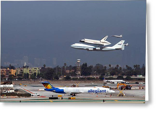 Endeavors Final 300 Ft Flyover Runway 25 Greeting Card by Denise Dube