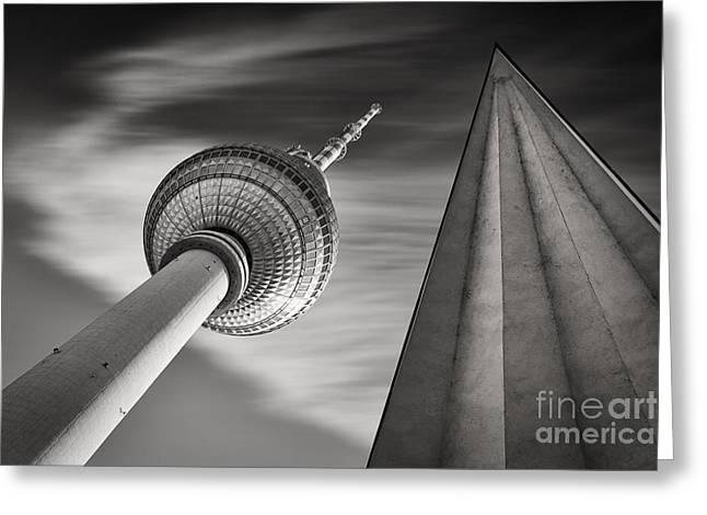 Fernsehturm Berlin Greeting Card by Rod McLean