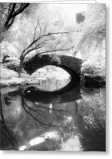 Central Park Photograph - Gapstow Bridge Vertical Greeting Card
