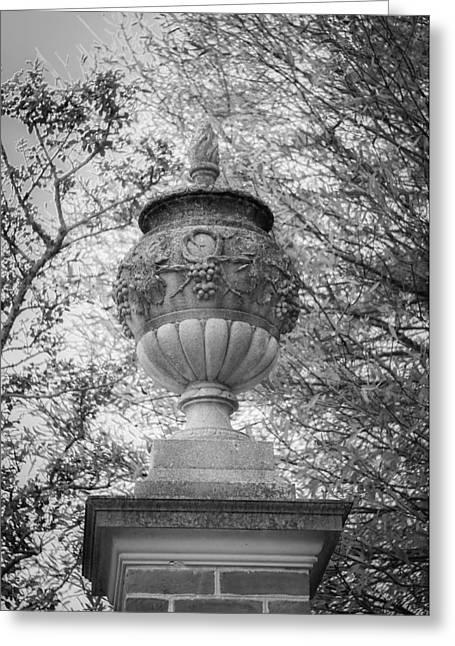 Garden Urn Colonial Williamsburg Greeting Card by Teresa Mucha