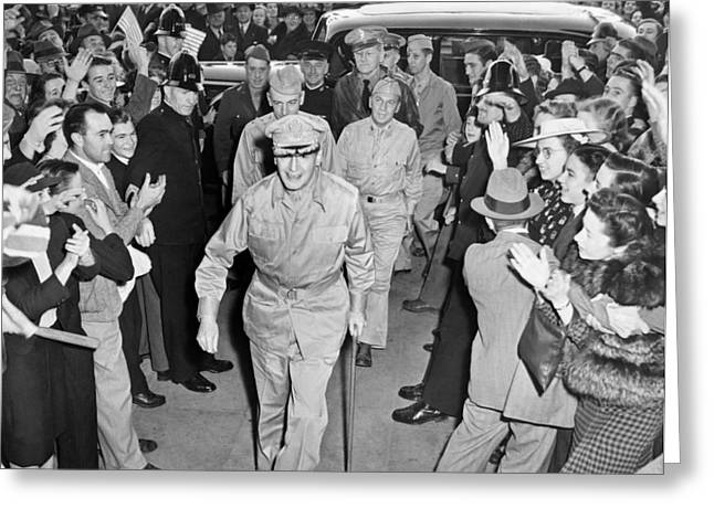 General Douglas Macarthur Greeting Card by Underwood Archives