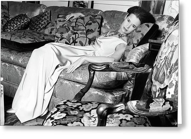 Gloria Vanderbilt Reclining On A Couch Greeting Card by Horst P. Horst