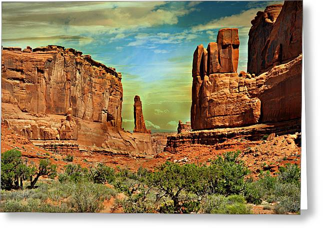 Golden Glow On Park Avenue Greeting Card by Marty Koch