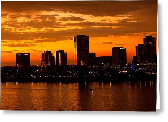 Golden Skys Cloak The Long Beach Skyline Greeting Card