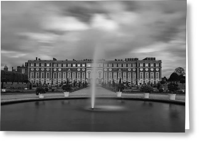 Hampton Court Palace Fountain Greeting Card by Maj Seda