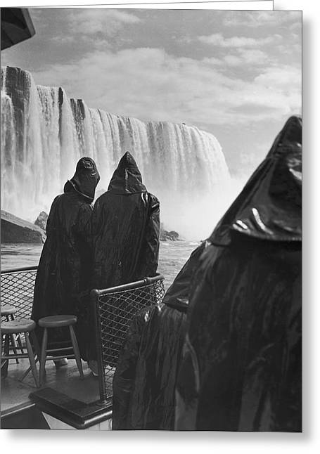 Honeymooners At Niagara Falls Greeting Card by Underwood Archives