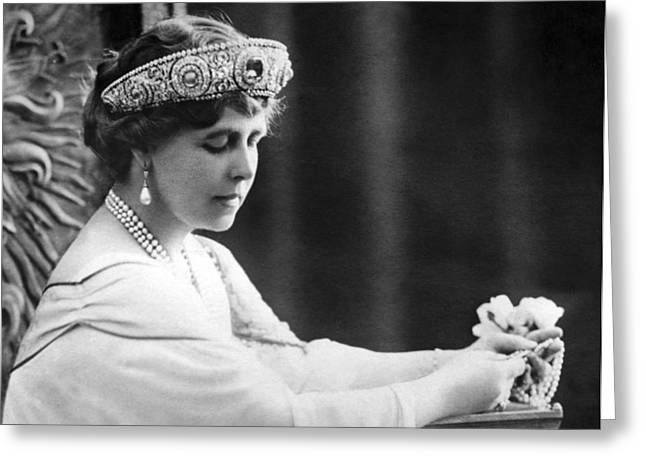 Queen Elizabeth The Queen Mother Greeting Card by Underwood Archives