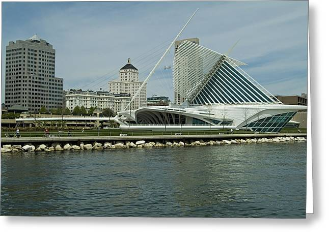 Lakeview Of Milwaukee Art Museum Greeting Card by Devinder Sangha