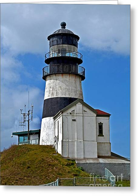 Greeting Card featuring the photograph Lighthouse At Cape Disappointment Washington by Valerie Garner