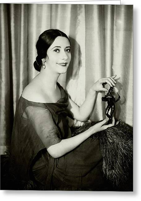 Lynn Fontanne Holding A Statue Greeting Card by Florence Vandamm