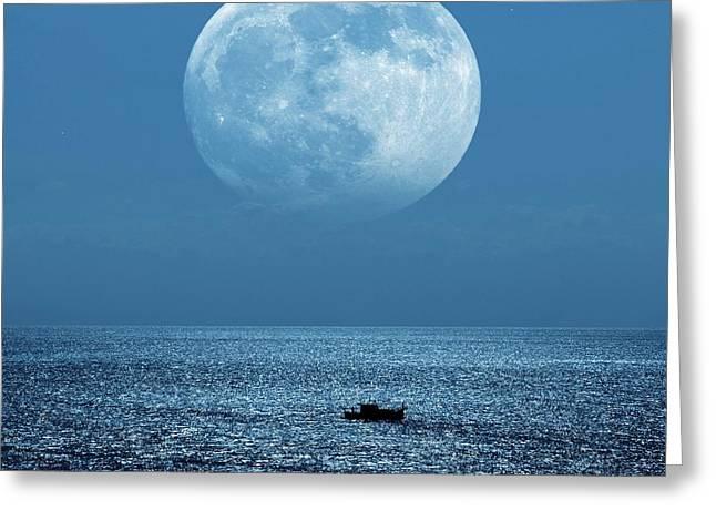 Moon Over The Ocean Greeting Card by Detlev Van Ravenswaay