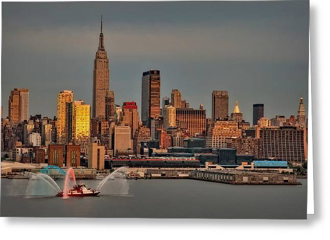 New York City Sundown On The 4th Greeting Card by Susan Candelario