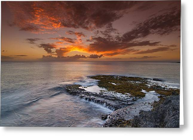 Oahu Sunset Greeting Card by Tin Lung Chao