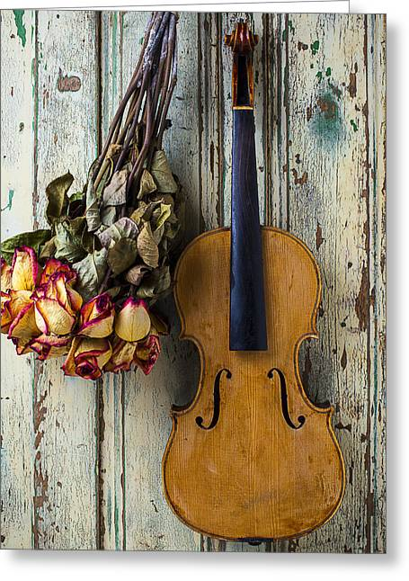 Old Violin And Dried Roses Greeting Card by Garry Gay