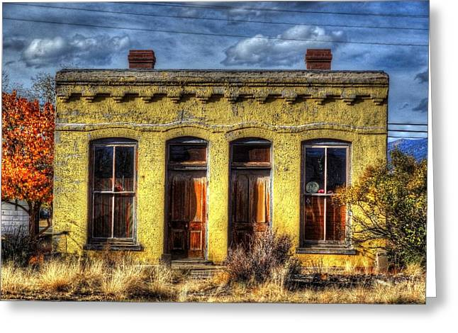 Greeting Card featuring the photograph Old Yellow House In Buena Vista by Lanita Williams