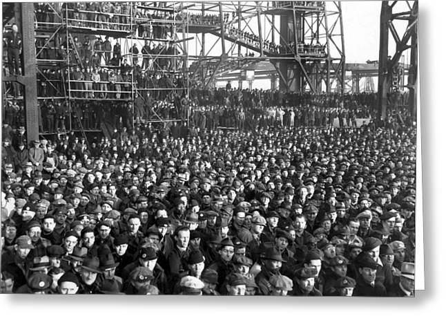 Philadelphia Shipyard Workers Greeting Card by Underwood Archives